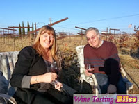 Wine-Tasting-in-the-Vines-at-White-Crane