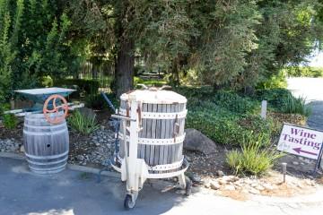 d'Art Wines outdoor decoration
