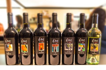 d'Art wine bottles