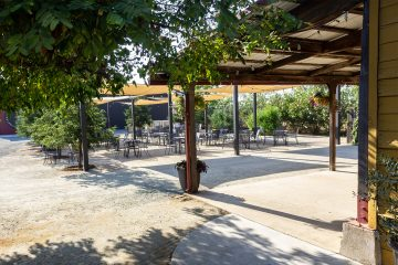 acquiesce winery patio
