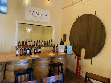 Favalora Bar
